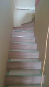 東区 O 様邸 階段取付2